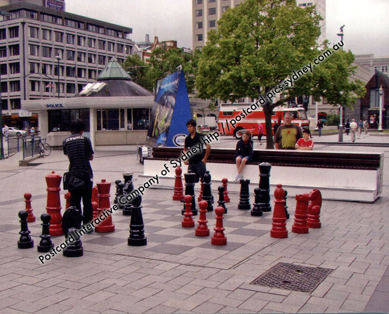 New Zealand - Christchurch Giant Chess - Click Image to Close