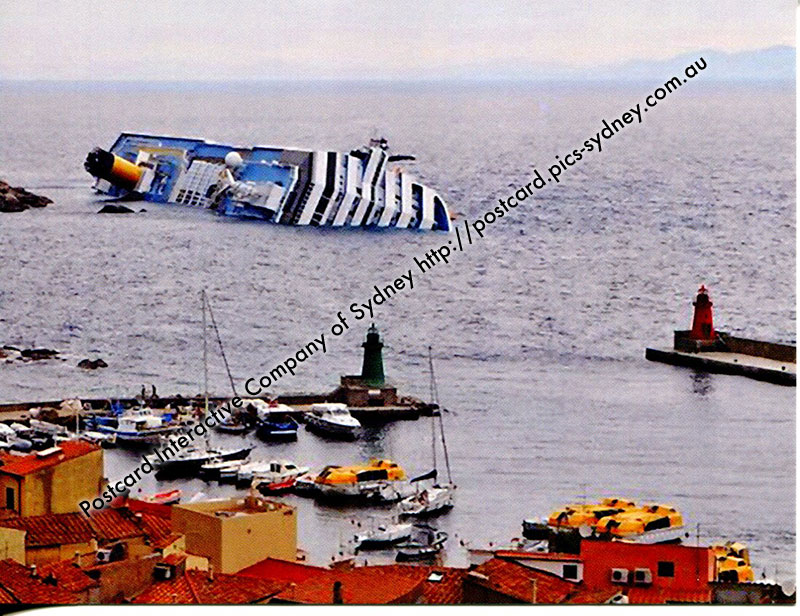 Italy - Giglio Porto Lighthouses (+ Cruise ship Costa Concordia)