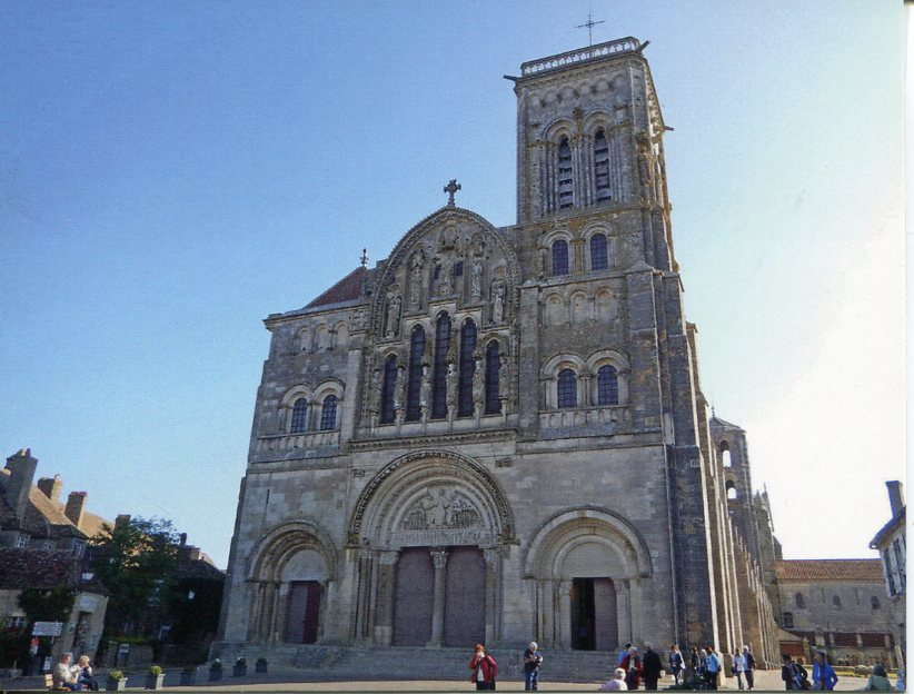 France UNESCO - Vezelay, Church and Hill